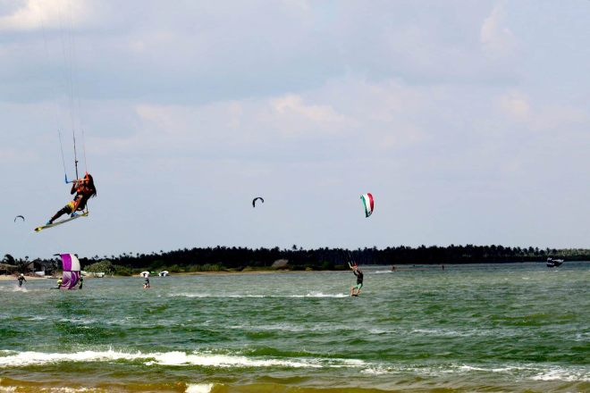 best kitesurfing spots in Sri Lanka